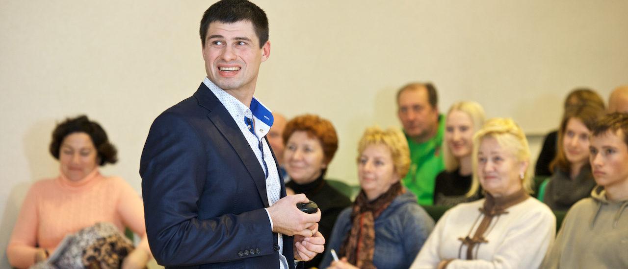 Врач-кинезиотерапевт Юрий Вашченков.